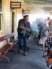 smoking-ceremony-from-local-aboriginal-people-to-welcome-delegates-to-conference
